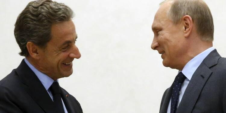 Sarkozy défend son voyage en Russie face à la polémique