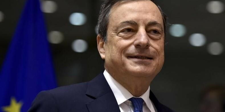 Mario Draghi assure que la BCE est prête à agir vite