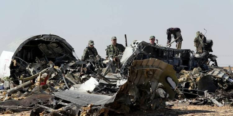 L'avion s'est disloqué dans les airs, selon Moscou