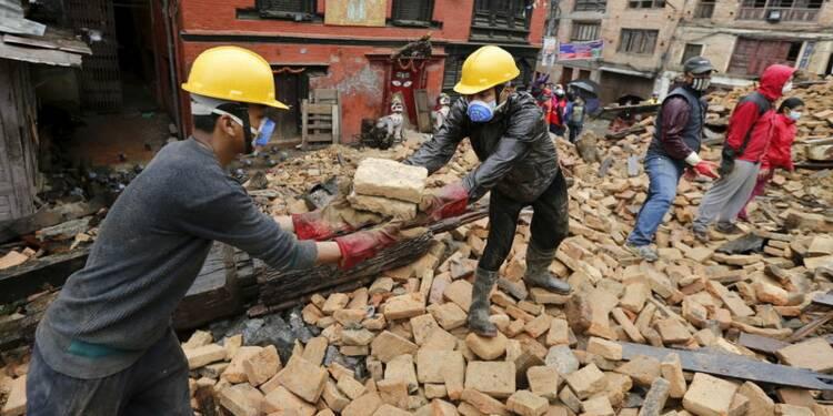 Le bilan du séisme au Népal pourrait atteindre 10.000 morts