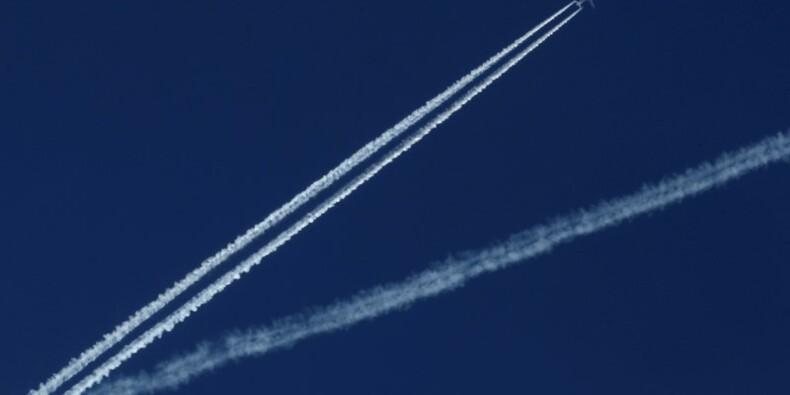 Grèves des contrôleurs aériens mercredi, 40% des vols annulés