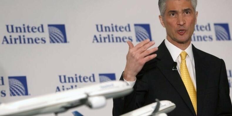 Le patron d'United Continental s'en va au milieu des soupçons