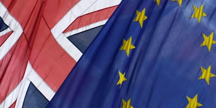 """Londres a posé ses """"lignes rouges"""" sur un prêt-relais à la Grèce"""