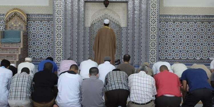 Il n'y a pas assez de mosquées en France, estime Thierry Mandon