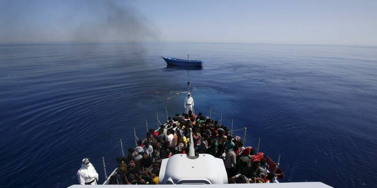 Accord de l'UE sur une mission contre les passeurs en Méditerranée
