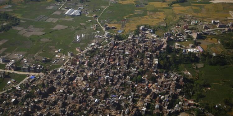 Une centaine de corps retrouvés dans un village dévasté du Népal