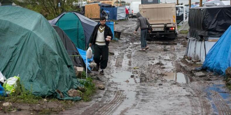 "Près de 6.000 migrants dans la ""jungle"" de Calais"