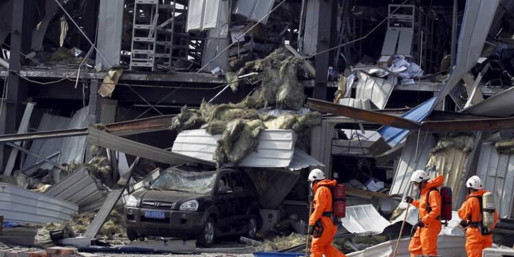 A Tianjin, l'évacuation des produits dangereux est la priorité