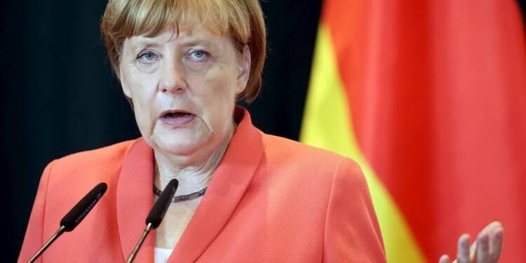 """Angela Merkel exclut une décote """"classique"""" sur la dette grecque"""