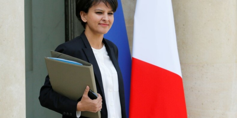 "Najat Vallaud-Belkacem évoque un ""ajustement"" du gouvernement"
