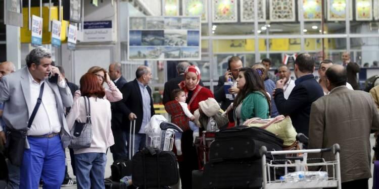 Les diplomates évacués du Yémen, les Houthis visent Aden