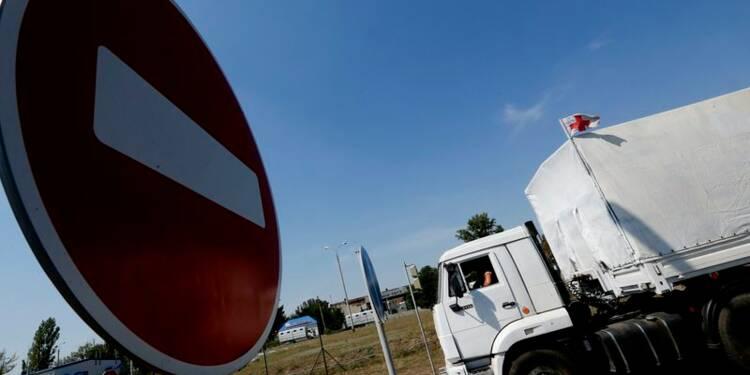 """Un convoi humanitaire russe à Louhansk, Kiev parle d'""""invasion"""""""