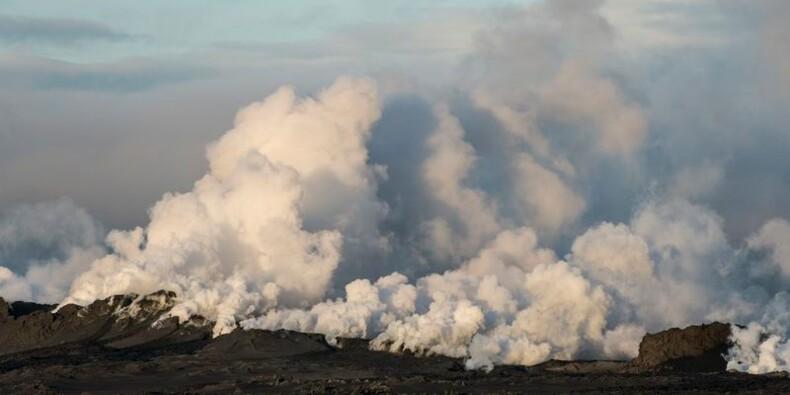 Le niveau d'alerte abaissé à orange au-dessus du volcan islandais