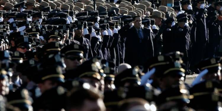 Des milliers de personnes aux obsèques d'un policier à New York