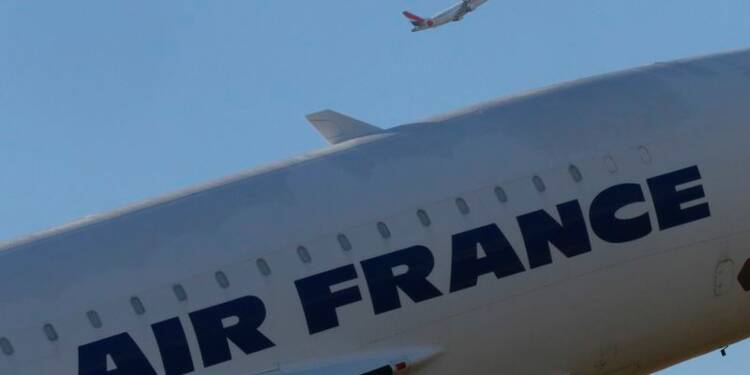Air France-KLM confirme son plan 2020, Manuel Valls hausse le ton