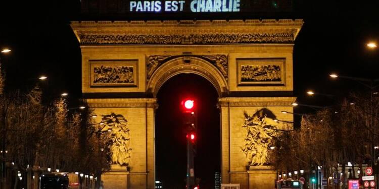 La France n'en a pas terminé avec les menaces, prévient Hollande