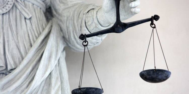 Deux présumés tortionnaires algériens seront jugés en France