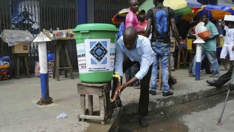 Ebola: MSF déplore l'absence de moyens d'évacuations en Afrique
