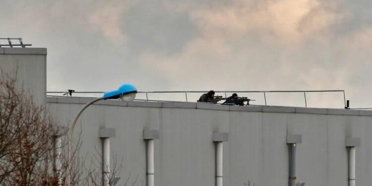 Charlie Hebdo: les deux suspects tués, l'otage sain et sauf