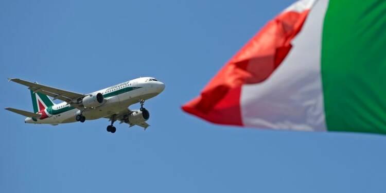 Le conseil d'Alitalia approuve une levée de 300 millions d'euros