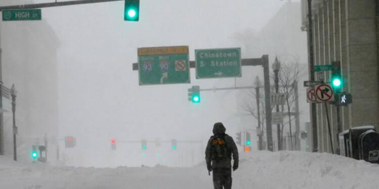 Tempête de neige à Boston, New York finalement épargnée