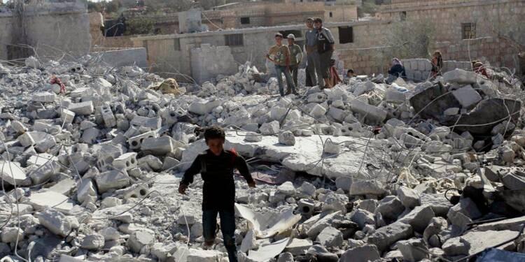 Raids aériens contre les djihadistes de l'EI en Syrie