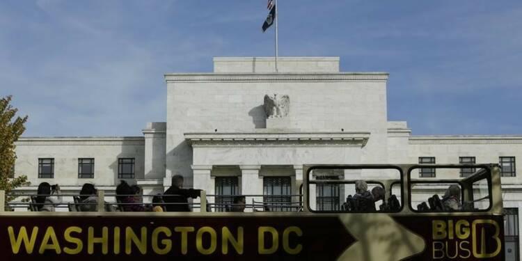 L'activité continue de croître aux Etats-Unis, selon la Fed