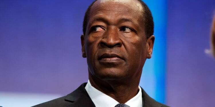 La France salue la démission du président du Burkina Faso