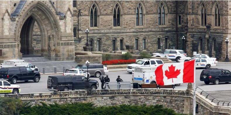 Fusillade au Parlement canadien, un soldat et l'assaillant tués