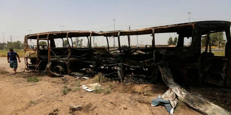 Attaque d'un convoi de détenus en Irak, 61 morts