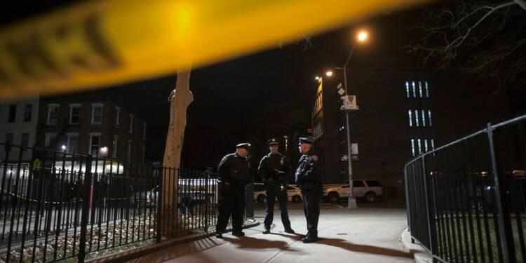 Un homme abat deux policiers puis se suicide à New York