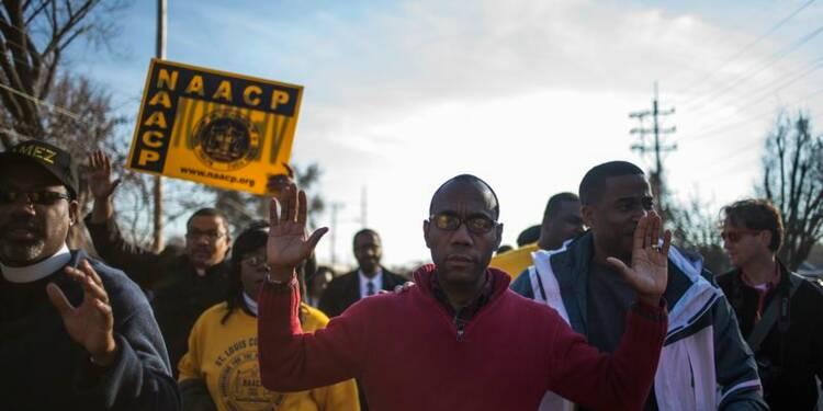 Marche à travers le Missouri pour le jeune Noir tué à Ferguson