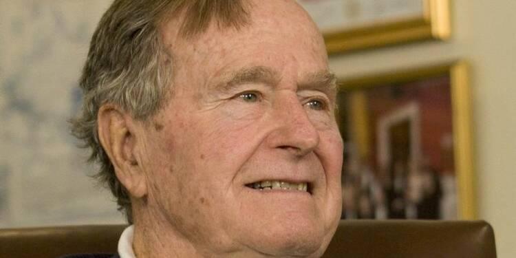 George H.W. Bush, 90 ans, hospitalisé à Houston