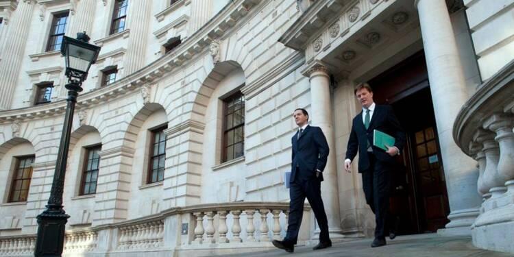 Le déficit budgétaire britannique va baisser moins que prévu