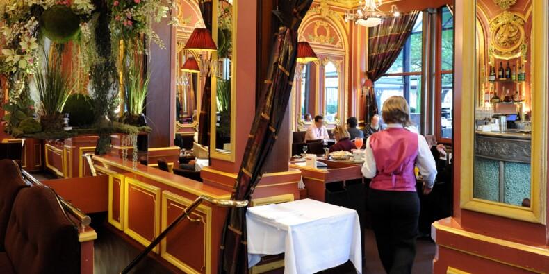 Éloge du garçon de café parisien