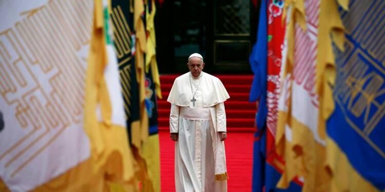 Le pape arrive en Corée du Sud après avoir salué la Chine