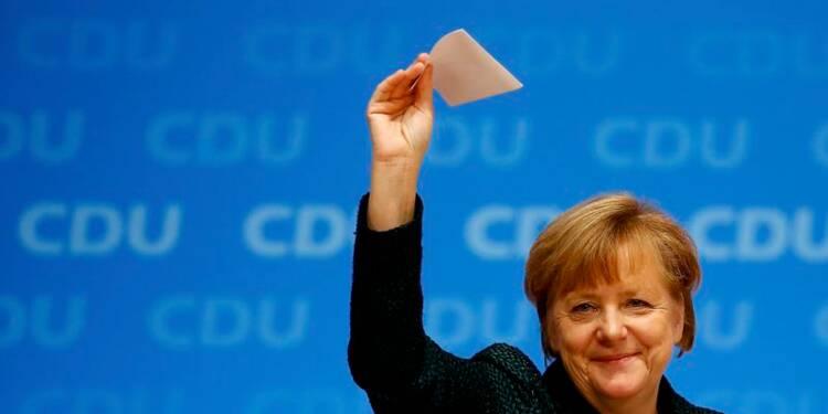 Angela Merkel aisément reconduite à la tête de la CDU