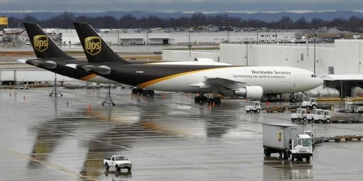 Freiné par ses investissements, UPS réduit ses prévisions
