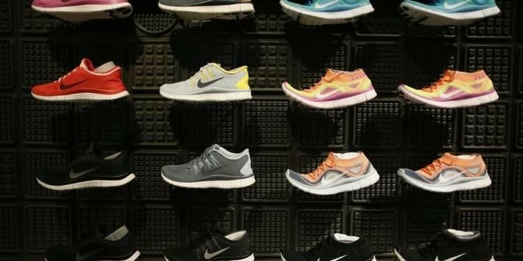 Nike note un ralentissement des commandes, l'action baisse