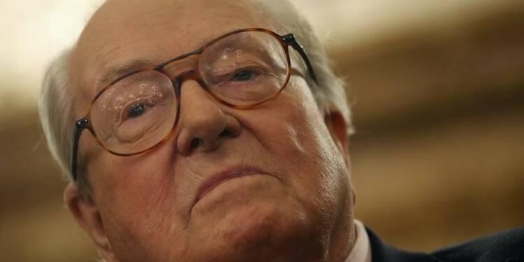 Jean-Marie Le Pen légèrement blessé dans un incendie