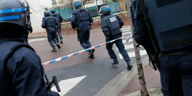 Le tueur de Montrouge retranché porte de Vincennes, à Paris