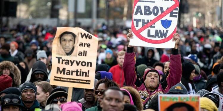 Marches contre les violences policières faites aux Noirs aux USA