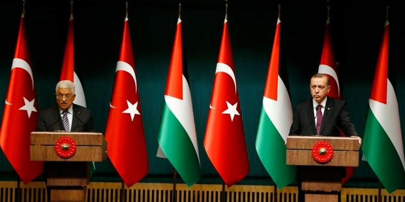 """Erdogan dénonce """"l'hypocrisie occidentale"""" face au terrorisme"""