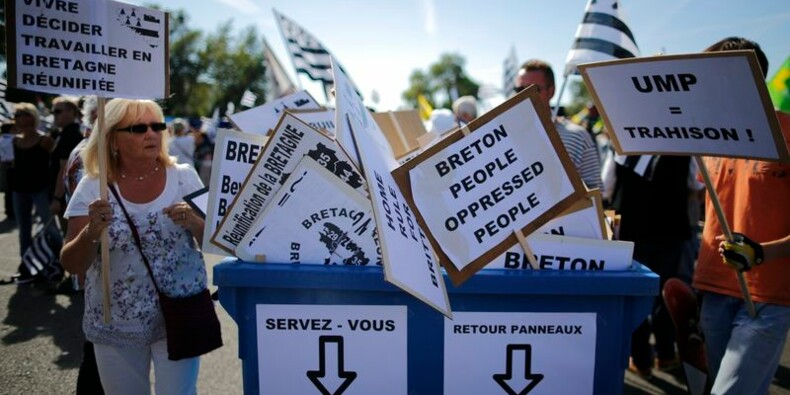 """Mobilisation à Nantes pour """"réunifier"""" la Bretagne"""