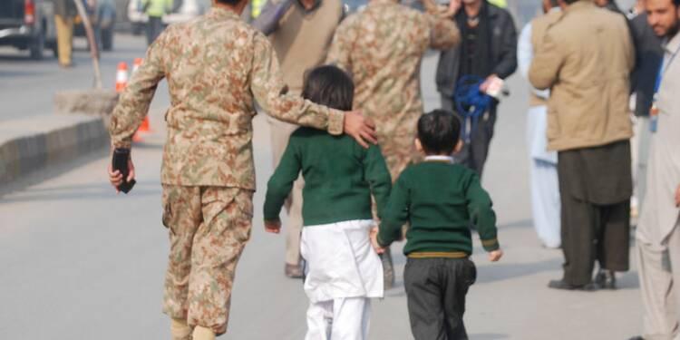 Des survivants racontent le massacre de Peshawar