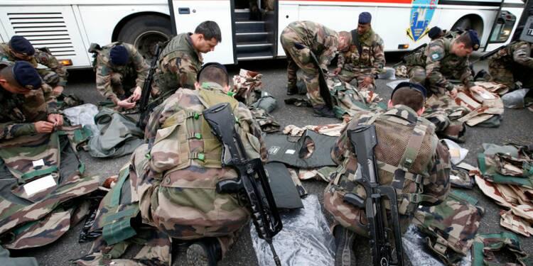 Annulation de la suppression de 7.500 postes dans les armées