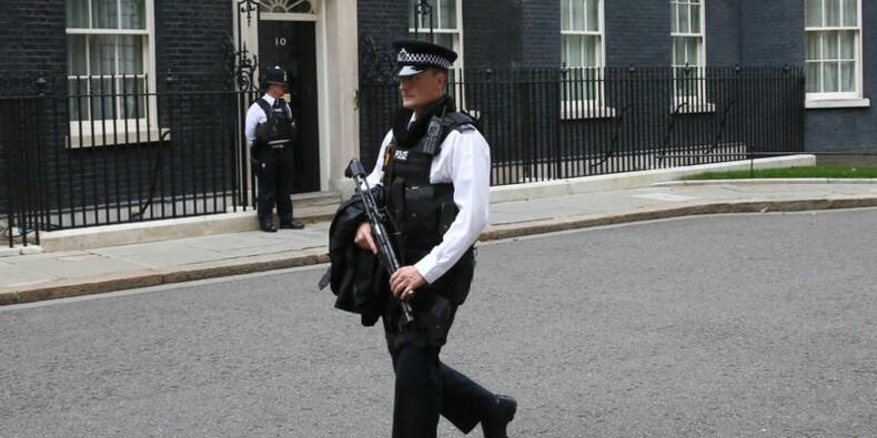 Le Royaume-Uni relève son niveau d'alerte antiterroriste