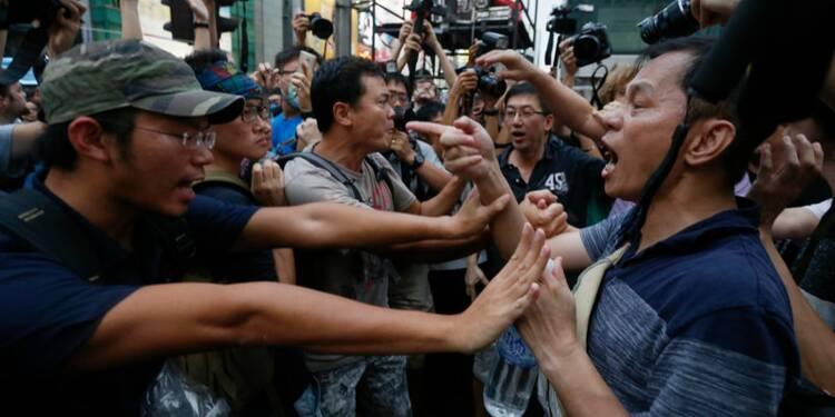 Violences à Hong Kong, les manifestants menacent