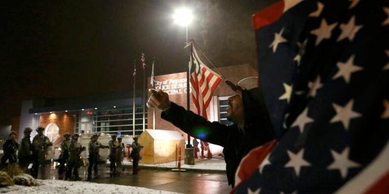 Retour au calme à Ferguson après deux nuits de violence