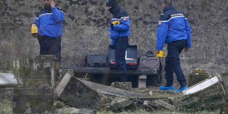 L'exécutif dénonce la profanation d'un cimetière juif en Alsace